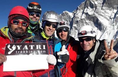 Nos clients au sommet de l'Island peak (6189m)