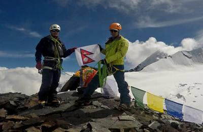 Ascension du Tobsar peak (6065m)- un sommet 6000m invaincu dans la vallée de Tsum