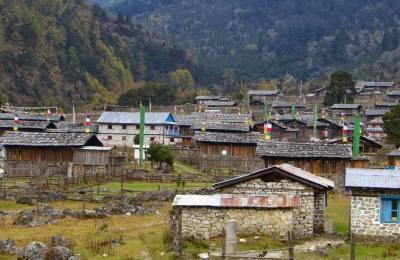 Grande traversées d'entre Kanchanjunga et Makalu à travers le col Lumba Sumba