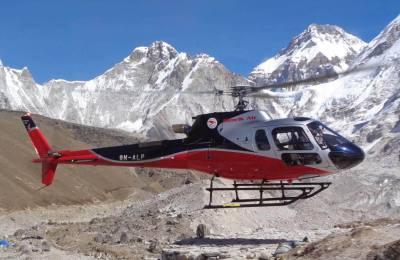 Survol en hélicoptère sur la chaîne himalayenne